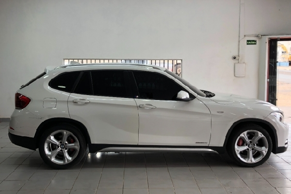 BMW - X1 - Tropical Multimarcas
