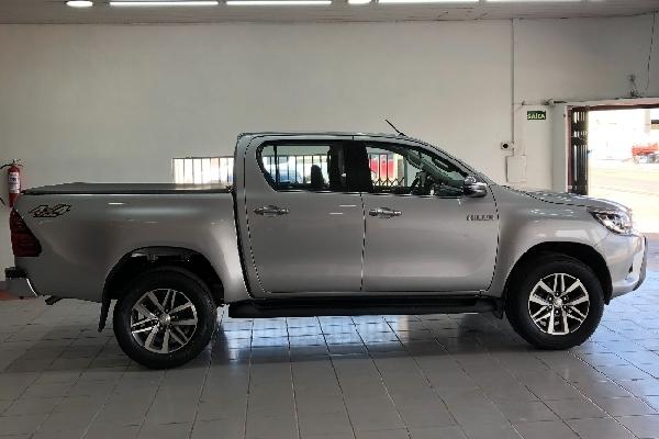 Toyota - Hilux Cabine Dupla - Tropical Multimarcas